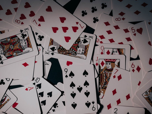 Top 3 Essential Considerations While Picking Up A Right Casino Site